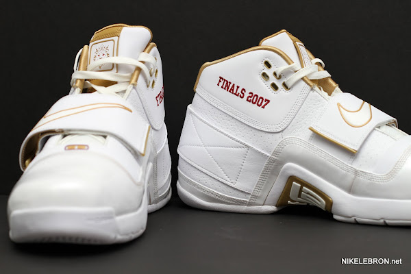 PE Spotlight Nike Zoom Soldier White amp Gold 2007 NBA Finals PE