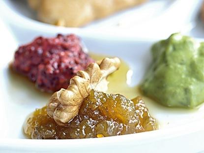 Mostarda francese – al ribes e al dragoncello – e confettura di pomodori verdi