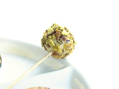 Formaggio ai pistacchi e sale al limone