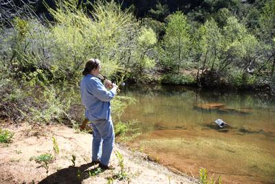 DSC_0029 marchiene reinstra playing flut to spirits of Huose Mountain en az.jpg