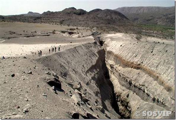 Fissuras Fendas terra etiopia (4)