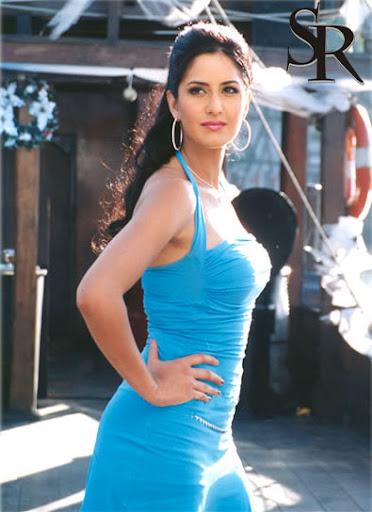 Model India Woman Sexy Lip with Heat Dress