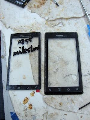Замена экрана в Motorola Milestone