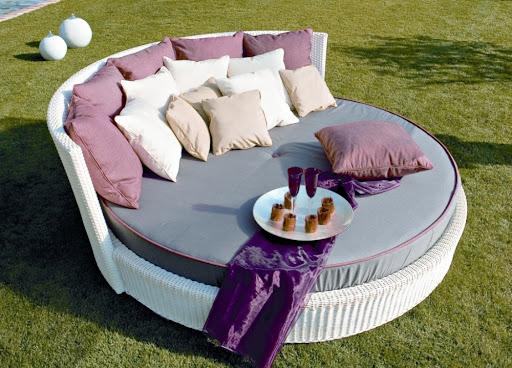 Rondo Garden Lounger Design