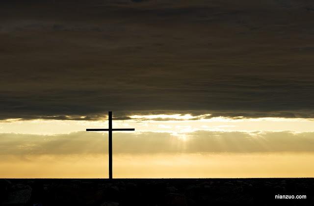 2009复活节 十字架,夕阳下,充满了宗教的神圣感,十字架