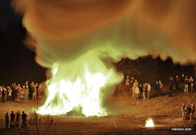2009复活节 火