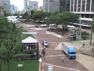 Vale do Anhangabaú em preparação para a festa do aniversário de São Paulo.
