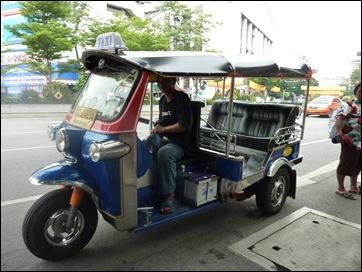 Tuk Tuk Driver 2
