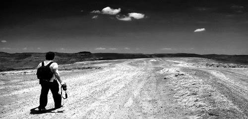 caminhando-sozinho-thumb-500x313-92