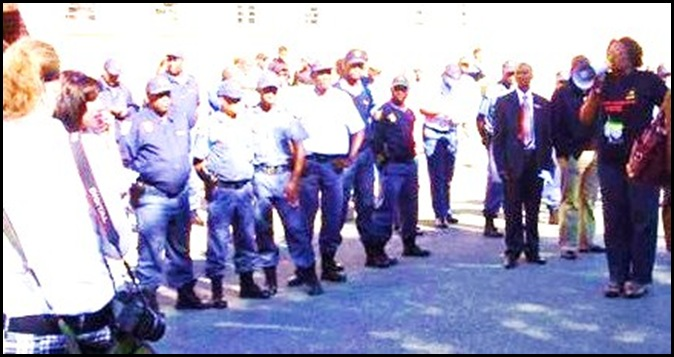 Leeto Matabo Mayor Odendaalsrust with megaphone supporting killers of white farmers April 19 2009 bail application