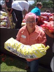 Stroebel Magda delivering donated food ANGELS AT WORK Pretoria