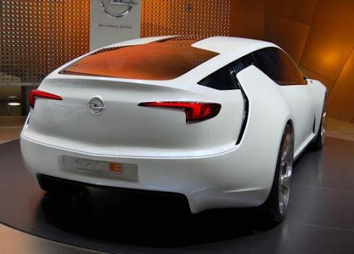 KONCEPTY OPEL a spol. Opel-Flextreme-GTE-Concept-Geneva-Auto-Show-rear-angle-view-575x413