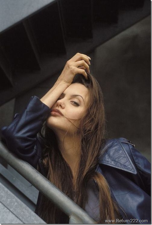 angelina_jolie_in_1994_17
