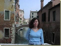 Giuliana su un ponte 2maggio04