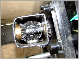 Gears In The Top Of The Landing Leg (You Can See The Gear Box Up Against The Frame)