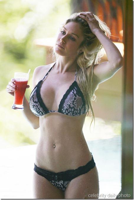 heidi-montag-bikini-in-costa-rica (15)