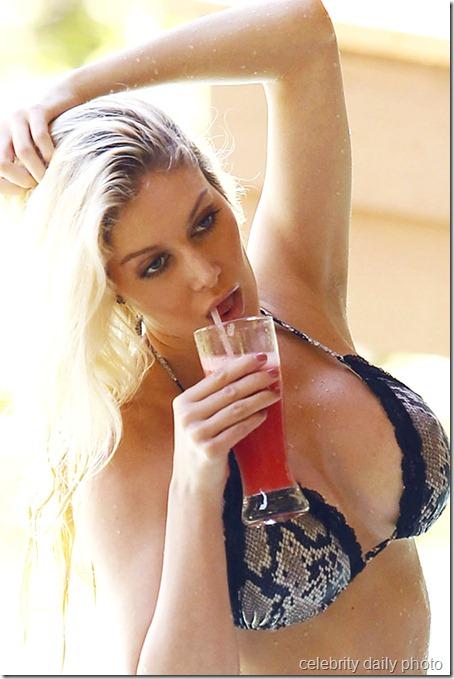 heidi-montag-bikini-in-costa-rica (26)