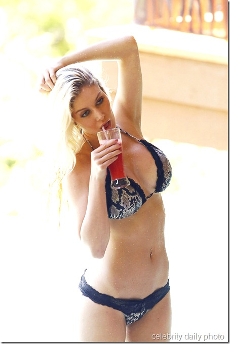 heidi-montag-bikini-in-costa-rica (5)