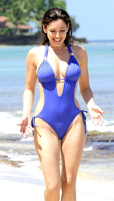 Kelly Brook in a hot bikini