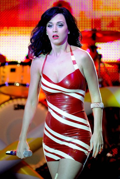 gallery_main-katy-perry-concert-titties-006