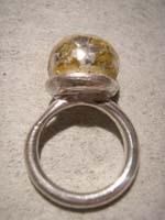 anillo fino con decoraciones en oro   Adornar las Joyas de Bisutería