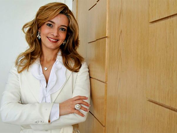 Entrevista exclusiva dra karla assed dermatologista das for What to dra