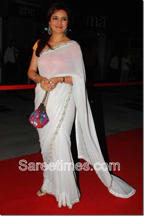 Divya_Dutta_White_Saree