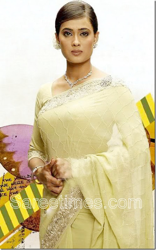 Shweta_Tiwari_Cream_Saree
