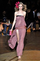 popup-desfile-marcjacobs-nyspring2011rtw-104