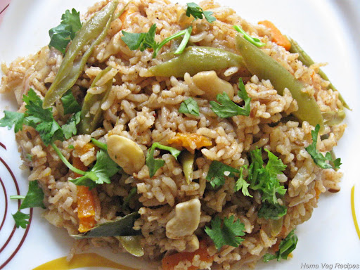 Vegetable Pulav/Pulao using MTR powder
