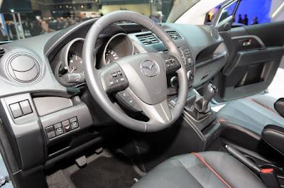 2011 Mazda5-05.jpg