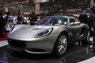 2011 Lotus Elise-01.jpg