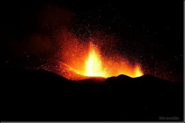 Uma erupção do vulcão islandês (25)