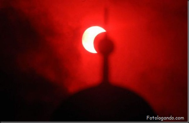 Um Eclipse Solar Surpreendente (9)