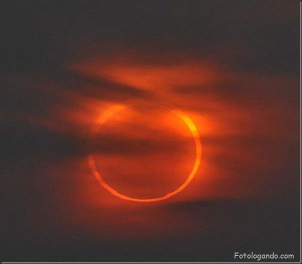 Um Eclipse Solar Surpreendente (2)