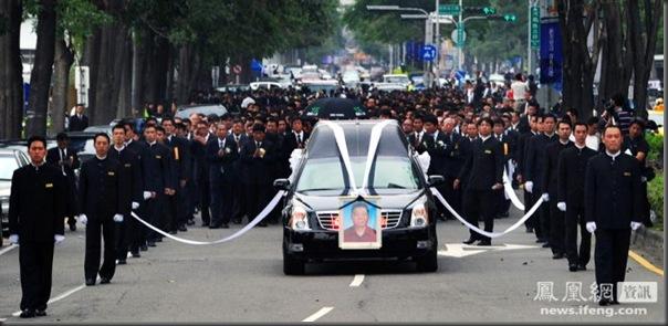 funeral de chefe de máfia de Taiwan (12)