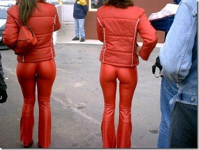 Garotas com calças super apertadas (59)