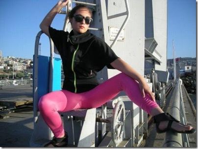 Garotas com calças super apertadas (36)
