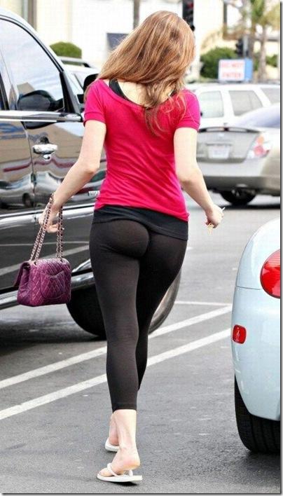 Garotas com calças super apertadas (17)