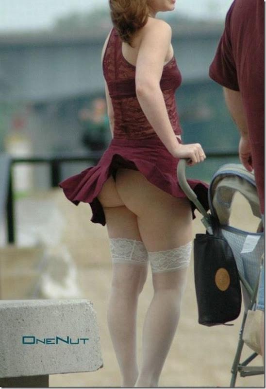 Belas garotas de mini saia   vento = Uma combinação perfeita (45)