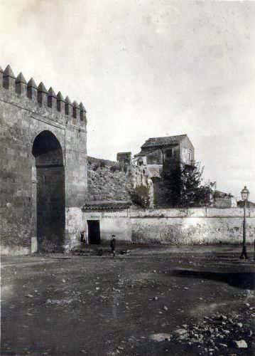 Otra vista antigua de la Puerta