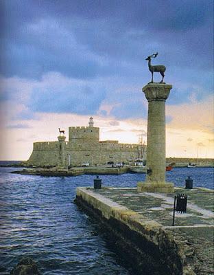 Entrada al puerto de Rodas