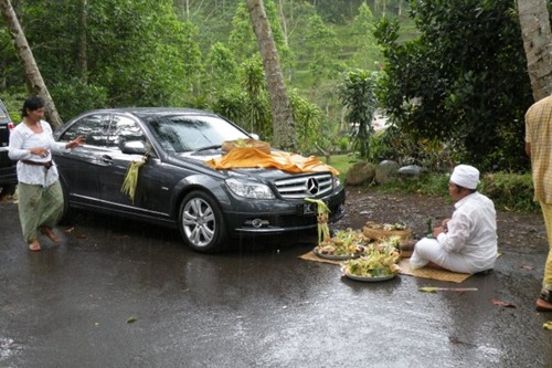 A ceremony for a new car in Ubud, Bali 