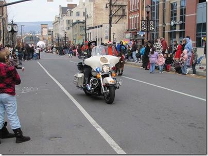 Santa Parade11-20-10ao