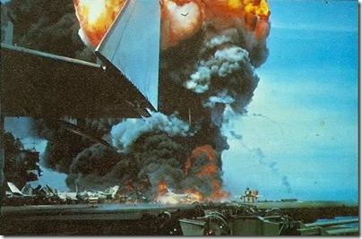 USS_Forrestal_fire_2_1967