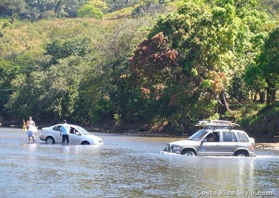 Costa Rica Stuck Car 2