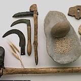 hacha neolitica arte prehistorico.jpg