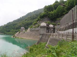 放水口設備(取水設備)を望む