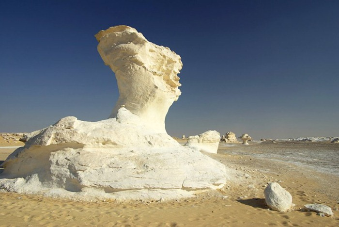 white-desert (1)