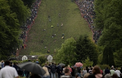 cheese-rolling (16)